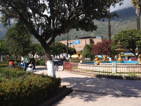 plaza de armas carhuaz