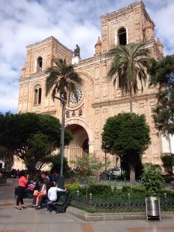 Catedral Nueva Parque Calderón Cuenca Ecuador