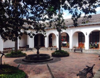 plaza cadisan